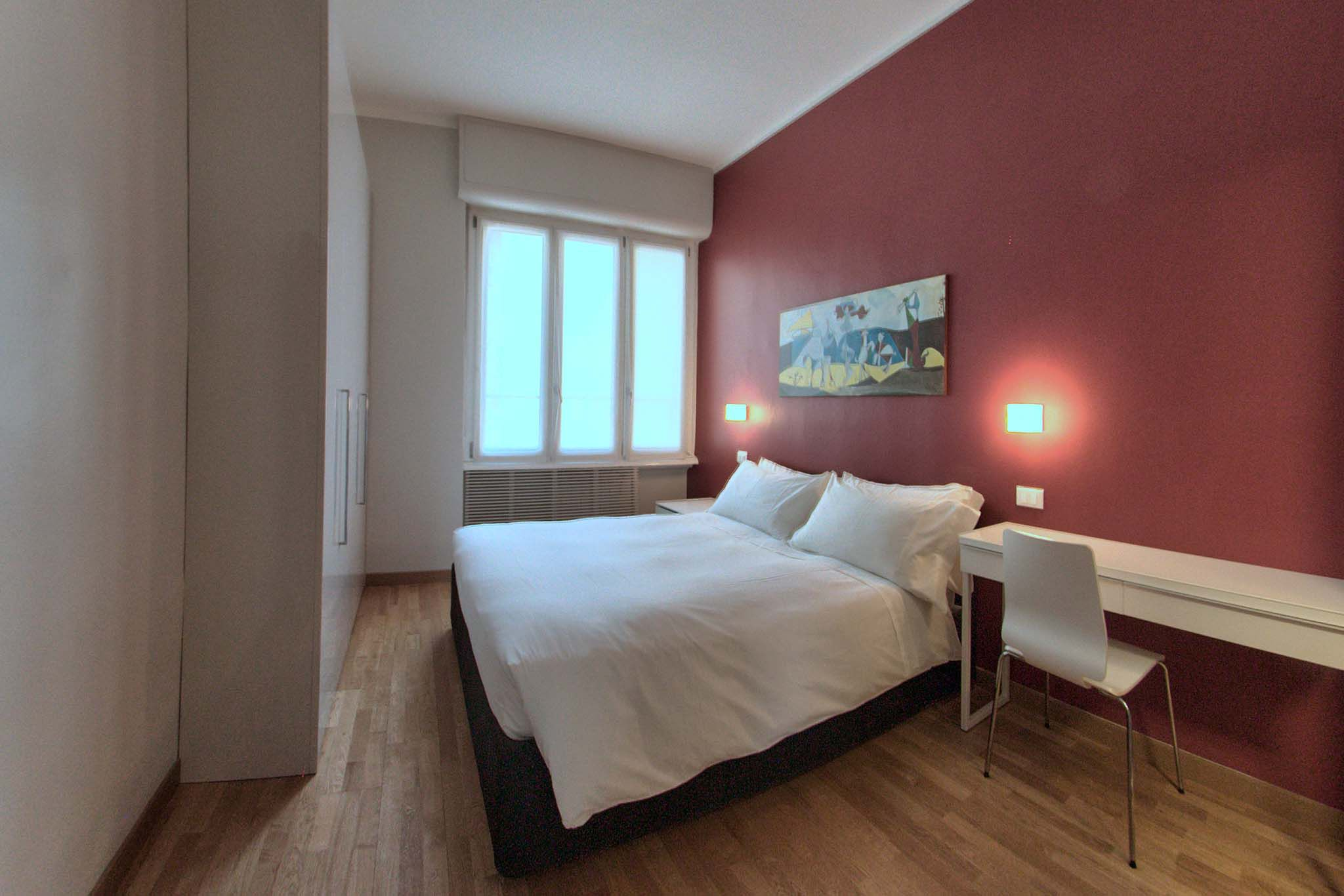 Milan italy find and book holiday homes vacation accommodation rent corporate serviced for Spacious one bedroom apartment